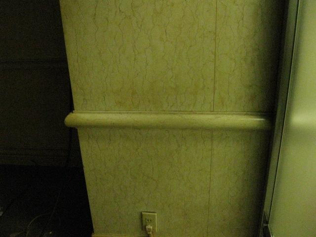 喫煙ルームの大理石壁ヤニ取り 施工事例 石材メンテナンス・石材クリーニング専門 株式会社 ケイ・アンド・エス