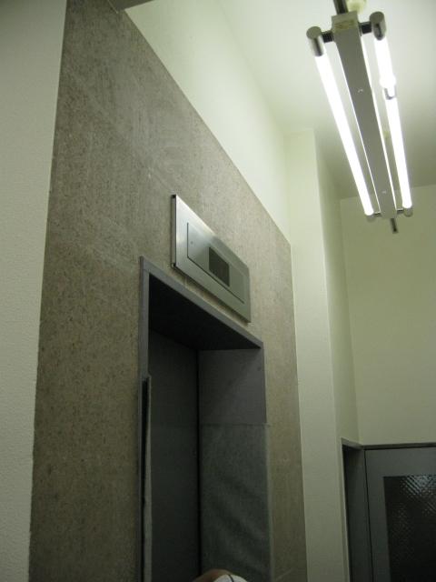 エレベーターホールの洗浄・コート(テラゾー洗浄)のサムネイル