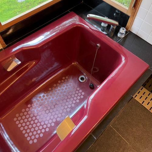 浴室洗い場御影石バーナー仕上げ床が、洗浄が甘くて白く変色して!のサムネイル