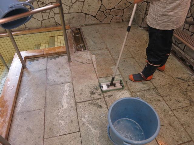 ある介護施設の浴室洗浄のサムネイル