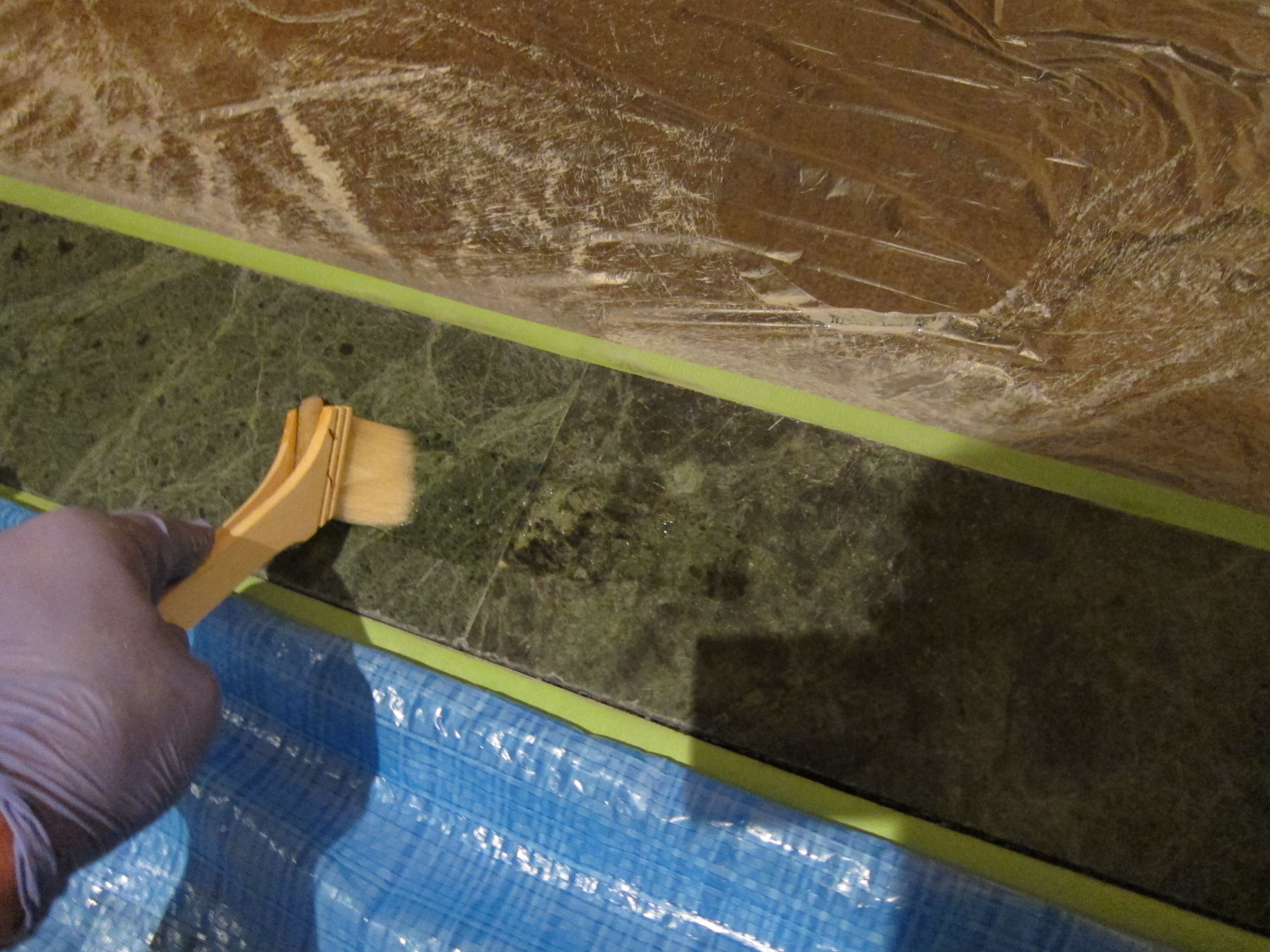 中華レストランの蛇紋岩に付着した油等の汚れ除去施工のサムネイル
