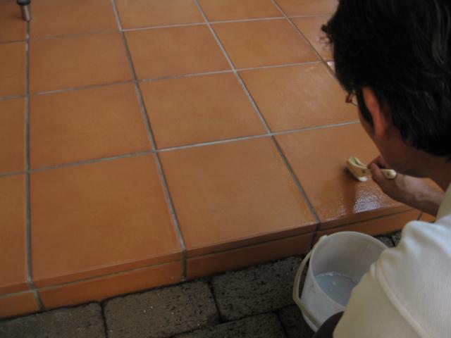 テラコッタ調タイルの洗浄・コート施工のサムネイル