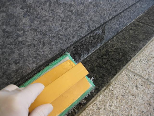 新築マンションの石材コート塗布のサムネイル