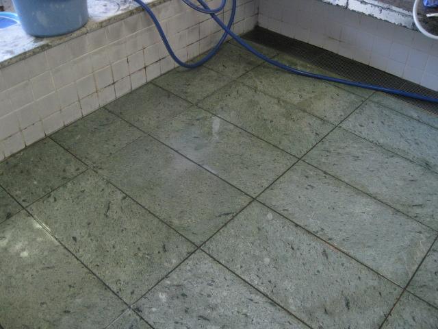 介護施設浴室の滑り止め施工のサムネイル